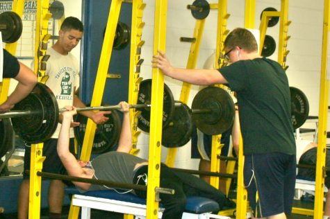Powerlifting club builds strength in numbers