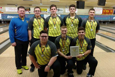 Boys bowling beats Swartz Creek, places second in tournament