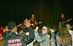 Students enjoy Gooding concert