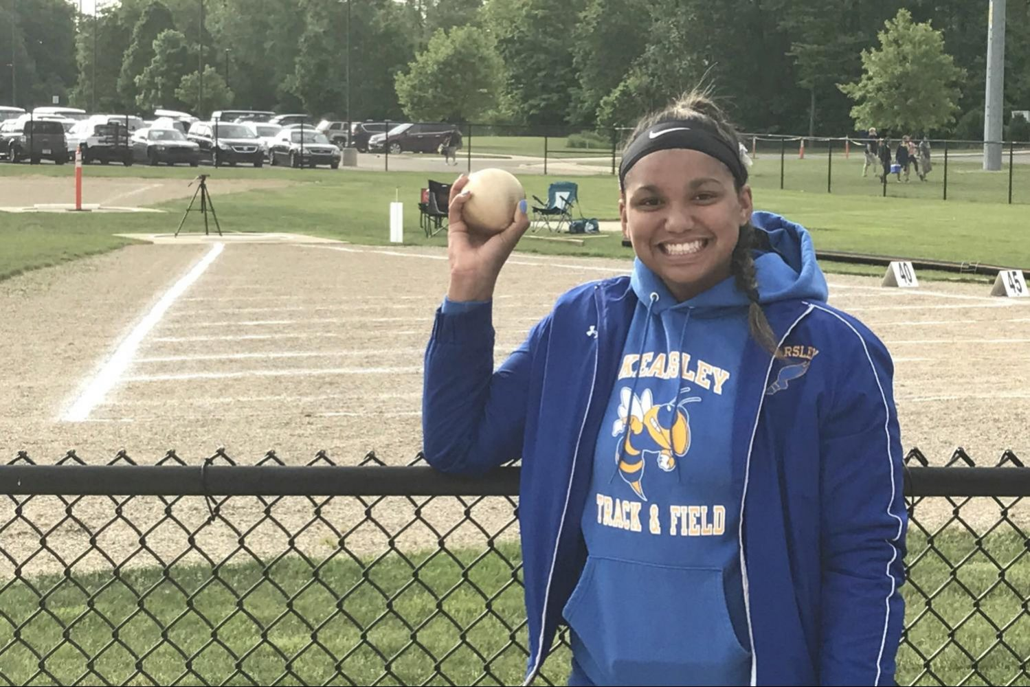 Sophomore+Makenzie+Ramey+holds+the+shot+put+she+threw+at+the+MHSAA+Division+1+state+final+Saturday%2C+June+3%2C+at+East+Kentwood.+It+was+the+first+trip+to+the+state+final+for+Ramey.