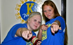 Seniors want you for powder puff