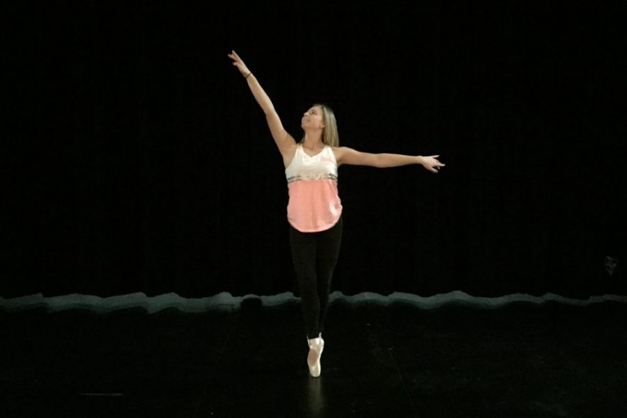 Sophomore Mallory Simms dances.
