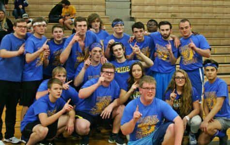 Seniors win inaugural powdertuff volleyball tournament
