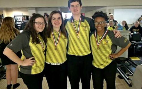 Boys bowling advances to quarterfinals, Linn earns All-State honors