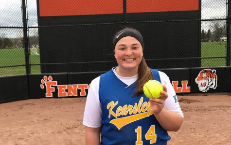 Softball sweeps Fenton with strong offense