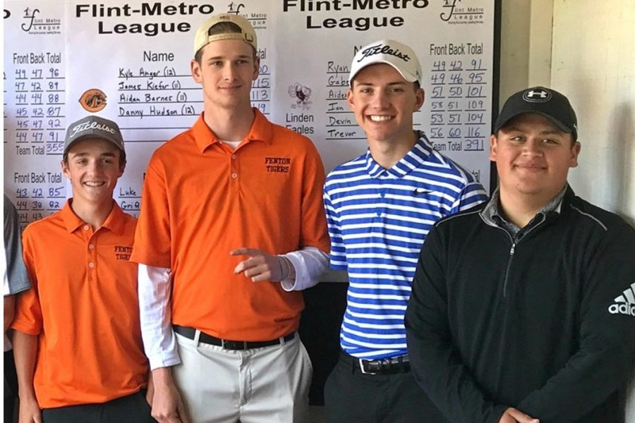 Junior+Jack+Vollmar+%28second+from+right%29+stands+with+some+of+his+fellow+All-League+golfers+after+the+Metro+League%27s+second+jamboree+at+Fenton+Farms+on+Monday%2C+May+22.