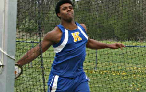 Boys track sweeps 200, shot, discus to best Owosso