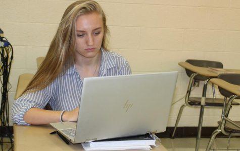 Online hacker holds teen's computer hostage