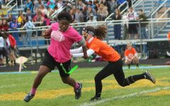 Sophomores sting juniors in powder puff championship