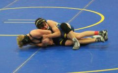Wrestling pins Bendle, falls to Goodrich