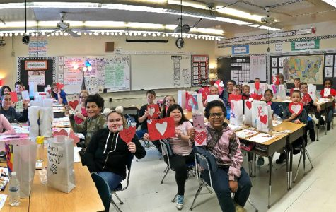 Hunt's classes share Valentine's Day love with fourth-graders