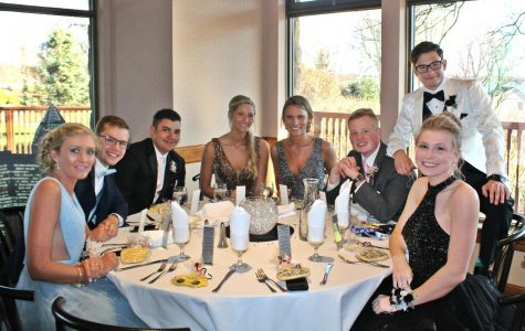 Prom guests dine together