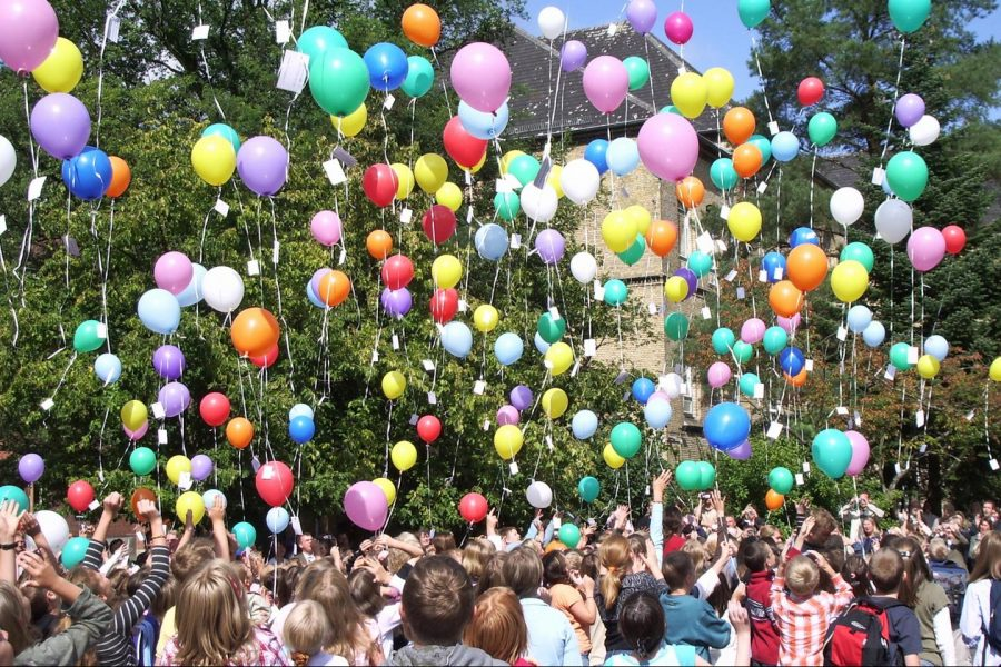 Releasing balloons are dangerous for our environment.