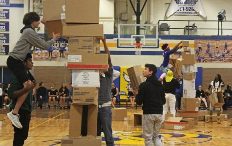 Juniors face freshmen in battle of box stacking