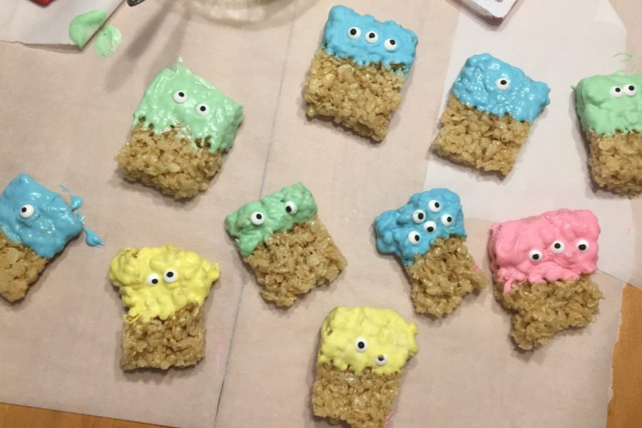 Monster-themed Rice Krispies treats are an easy Halloween dessert to make.