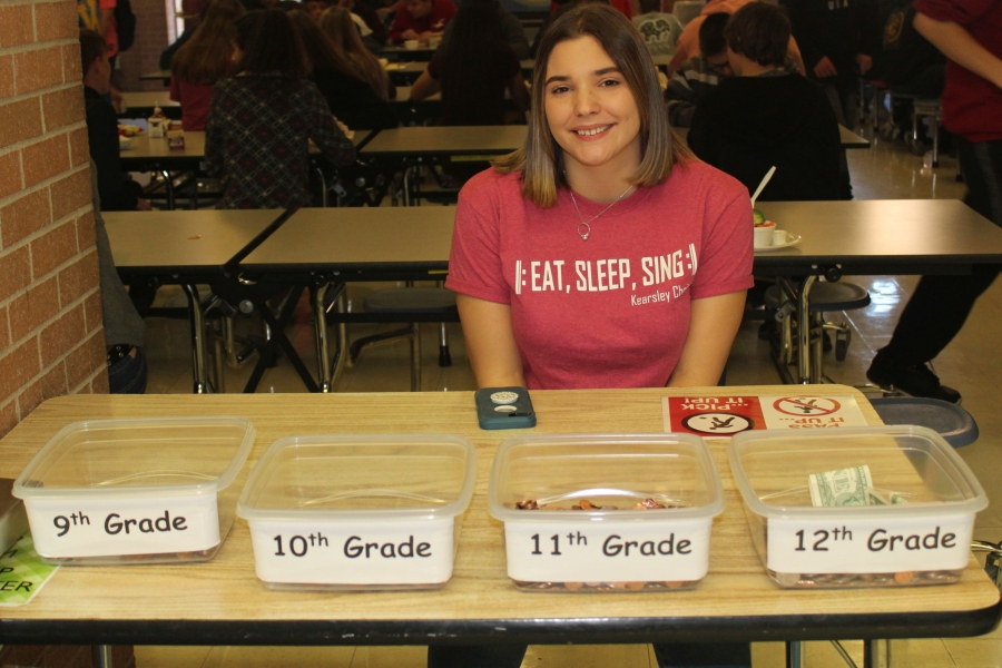 Senior Claudia Moore helps raise money during lunch for breast cancer patients.