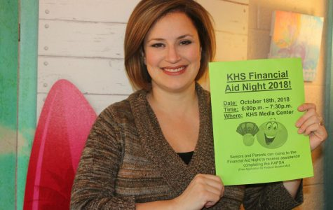 Counselors help parents, students at Financial Aid Night