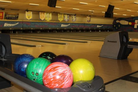 Girls bowling wins two league matches, Baker tournament