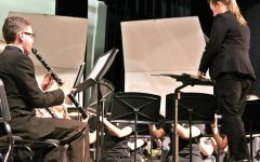 Symphonic band entertains audience
