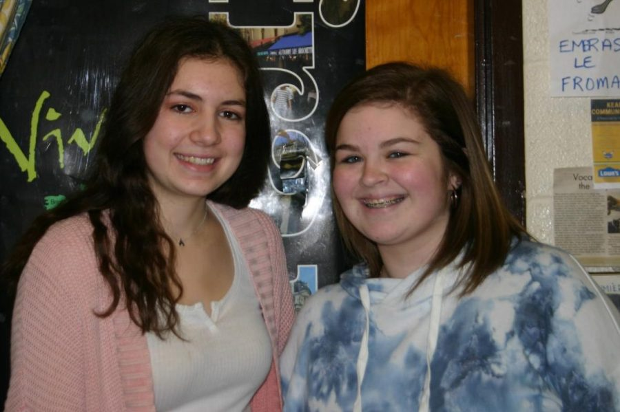 Senior Valerie Entnenmann (left), German exchange student, hangs out with her best friend Madison Alpin, junior, in French class, where they first met.