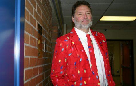 Councilor shows Christmas spirit in festive suit