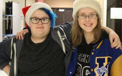 Juniors show holiday spirit on Christmas hat day