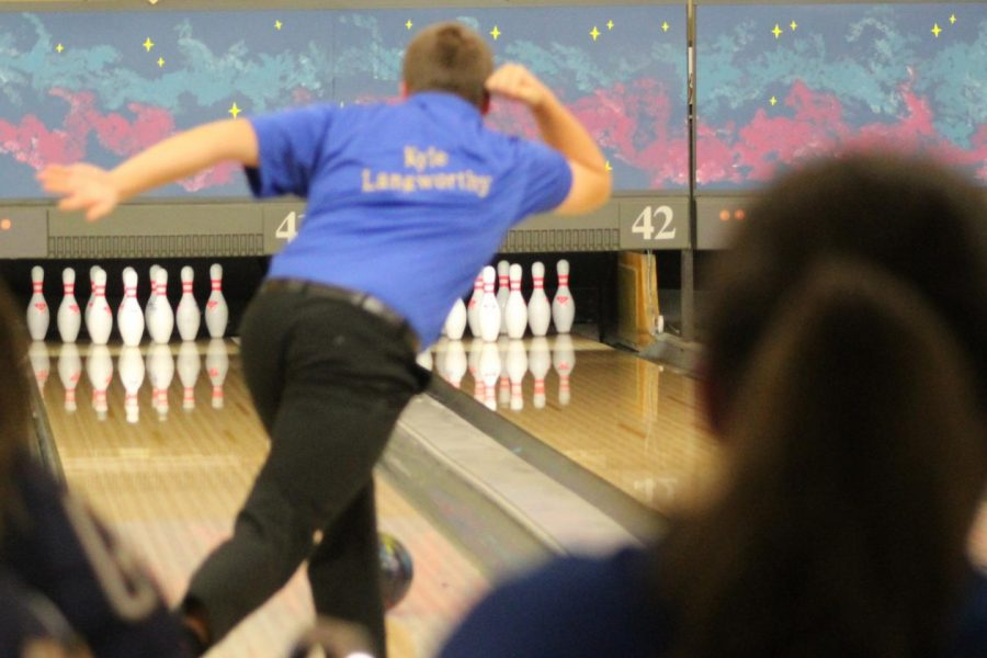 Senior Kyle Langworthy led the Hornets during their tight match against Flushing on Wednesday, Dec. 12.