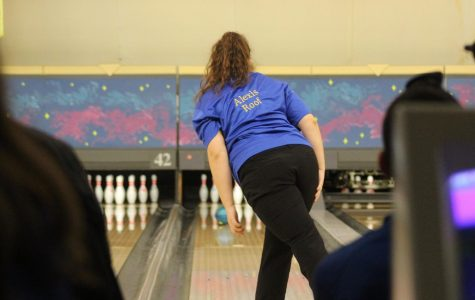 Roof, Blond lead girls bowling team past the Raiders