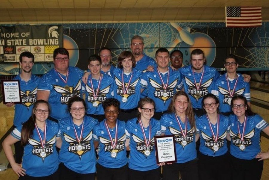 Kearsley+bowling+teams+both+win+first+place+at+the+Baker+Eliminator+Invitational+tournament+at+Royal+Scot+Lanes+in+Lansing+on+Sunday%2C+Dec.+2.