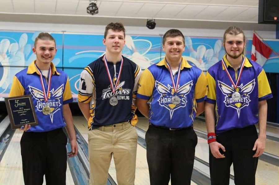 Junior+Lawson+Boshaw+%28l+to+r%29%2C+an+Owosso+bowler%2C+senior+Kyle+Langworthy%2C+and+junior+Ethan+Burke+placed+first+place+through+fourth+place%2C+respectively%2C+in+the+Metro+League+Singles+Tournament+on+Saturday%2C+Feb.+16.