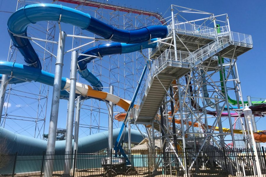Cedar_Point_Shores_slide_construction_(2042)