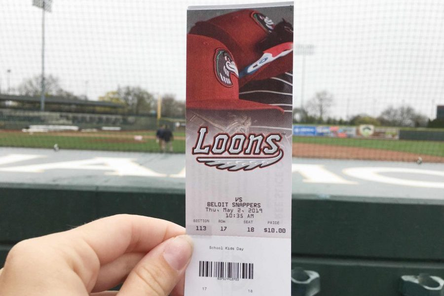 VanDuser's classes attend Loons game