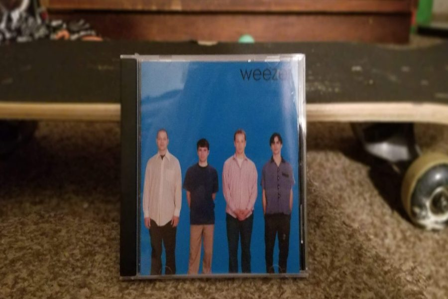 The+Blue+Album+by+Weezer+turns+25+years+old+May+10%2C+2019.