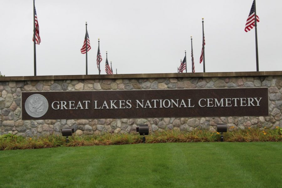 Members+of+the+Hybrid+Hornets+robotics+team+participated+in+a+clean-up+at+Great+Lakes+National+Cemetery+in+Holly+on+Saturday%2C+Sept.+28.