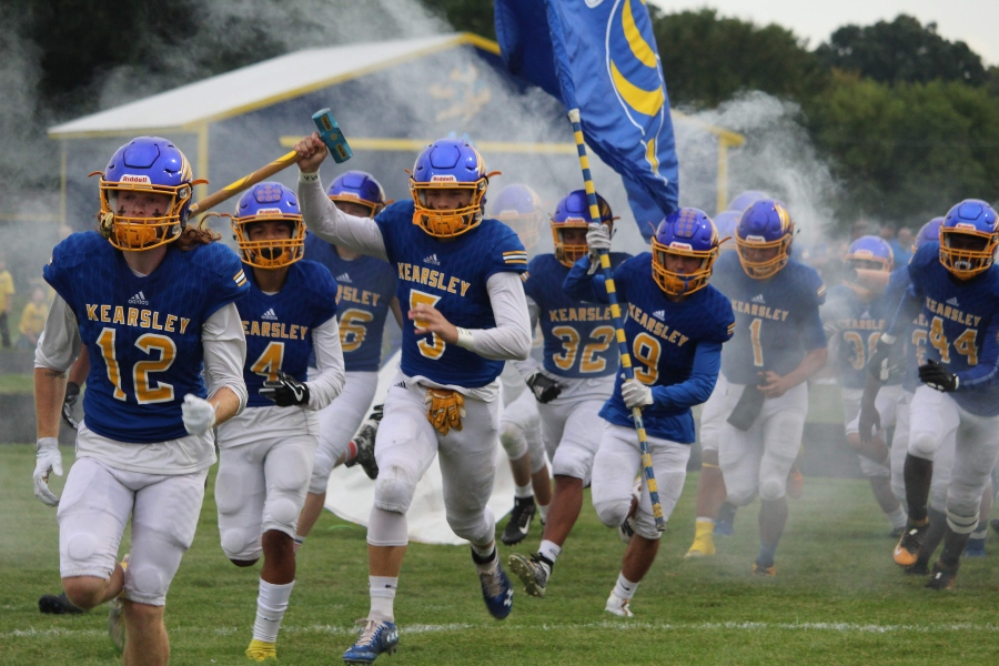 The football team swarmed above expectations so far this season, posting a 5-1 record through its first six games and outscoring opponents 192-104.