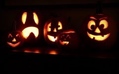 Students enjoy scary movies for Halloween