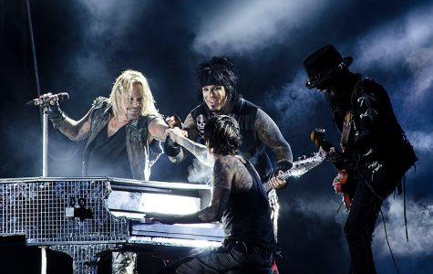 Mötley Crüe announces reunion