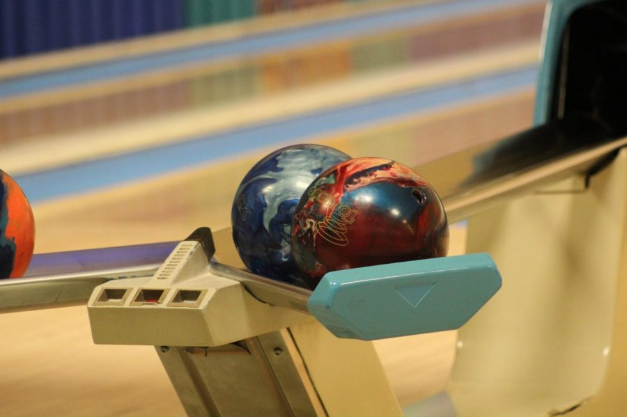The boys bowling team fell in two tournaments over the weekend although they qualified first in one of them.