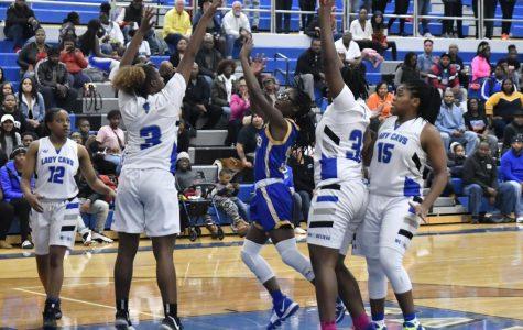 Girls basketball falls to Carman-Ainsworth