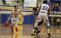 Boys basketball buzzes back against Blue Devils