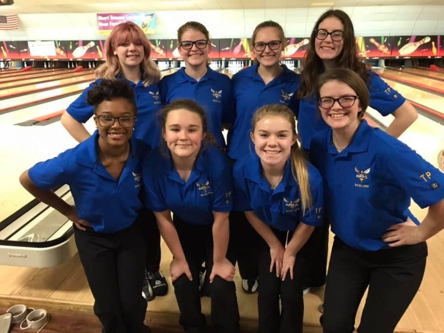 The+girls+bowling+team+poses+after+its+30-0+win+over+Goodrich+Wednesday%2C+Dec.+18.