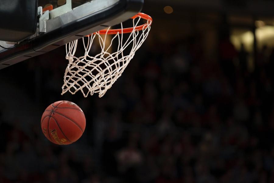 Boys basketball fell to Bendle 75-56 Tuesday, Jan 21.