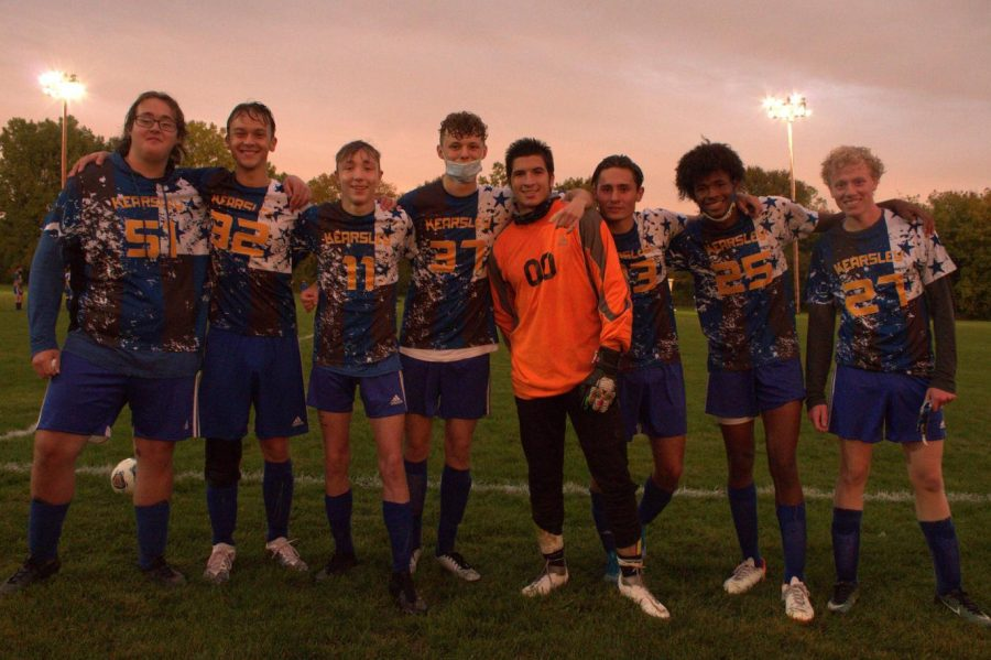 Seniors Jackson Shock (l to r), Chase Canamore, Caleb Lasley, Brian Boisen, Elija Rodriguez-Garza, Ethan Young, Rodney Richards, and Josiah Trizl gather after halftime Monday, Sep. 28.